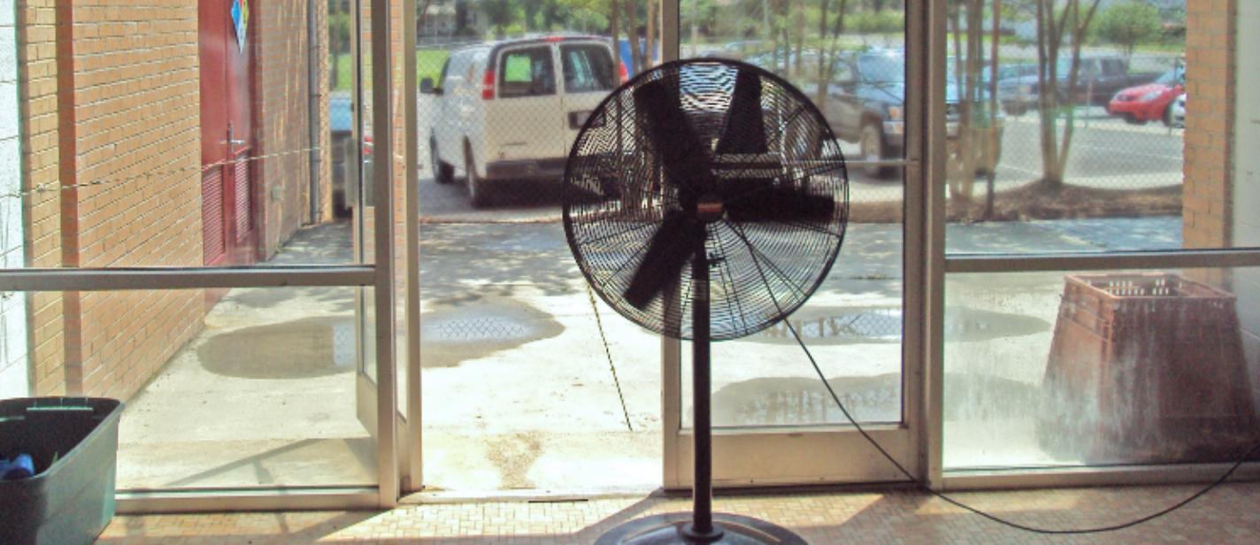 fan in door