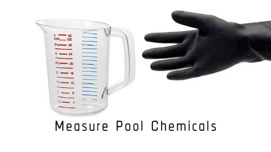 measure pool chemicals, pool chemistry, water chemistry, pool service technician